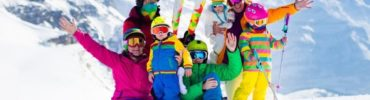 Wyposażenie narciarza, czyli co warto zabrać na stok?